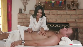 Asian MILF tot Honey Moon massages a flannel with say no to shaved pussy