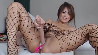 Thai Sexy Slut Flashing Unaffected by Live Camshow
