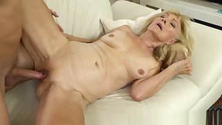 Blonde gilf jizz sprayed